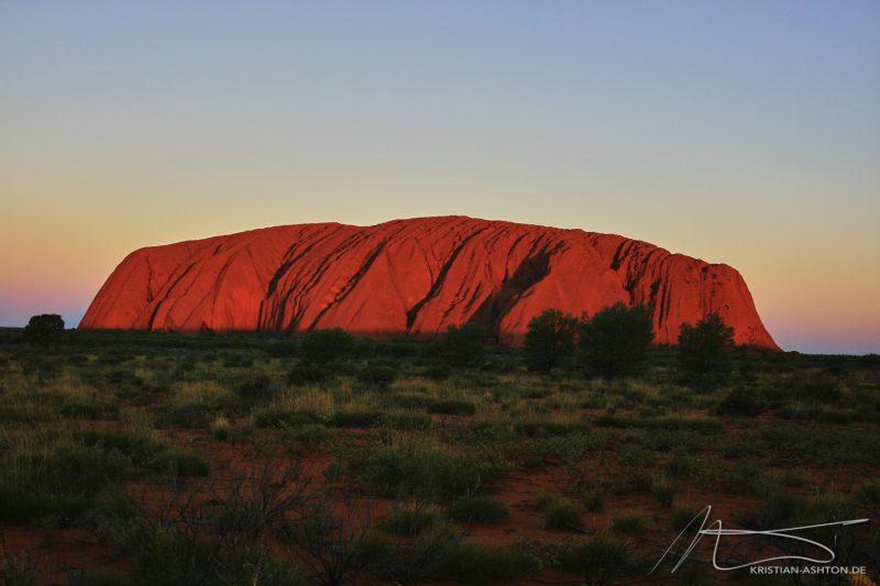 The splendorous colours of Uluru at sunset