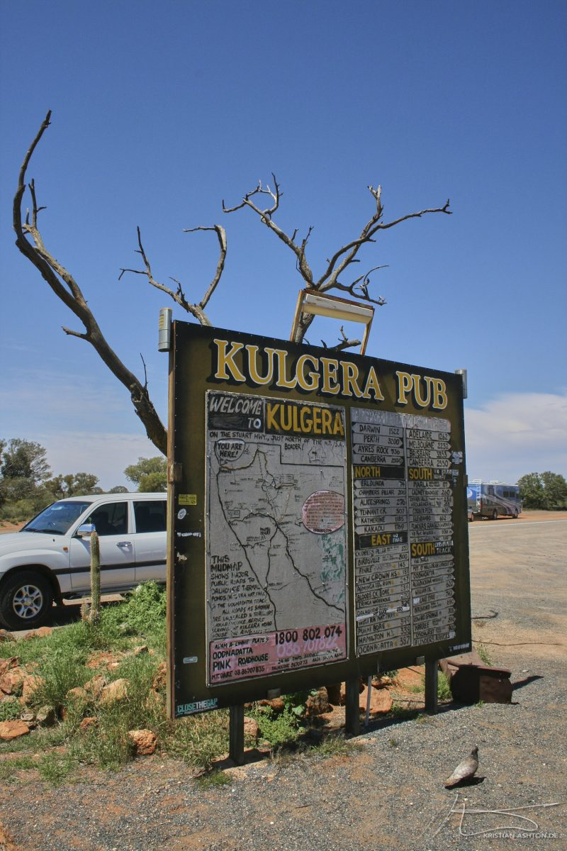 The Kulgera Pub at the border to South Australia