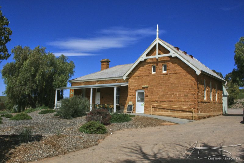 The Flinders Range - Blinman Cafe with the world's best pies!
