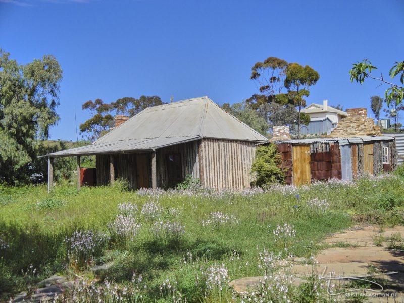 The Flinders Ranges - dilapidated houses in Blinman