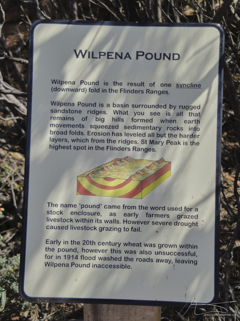Hike to Wilpena Pound