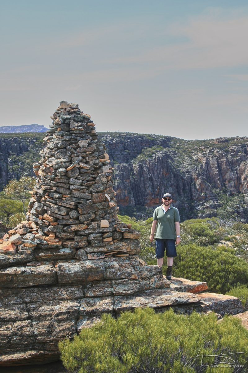 Hike to Wilpena Pound - Kristian at Rawnsley Bluff