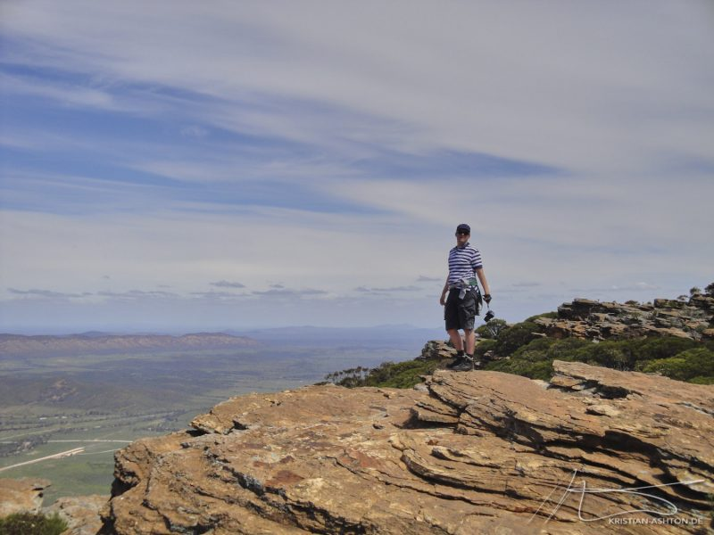 Hike to Wilpena Pound - Ralph at Rawnsley Bluff