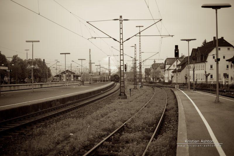 Steam loco 064 419-5 of the Swabian Forest-Railway approaches Schorndorf station