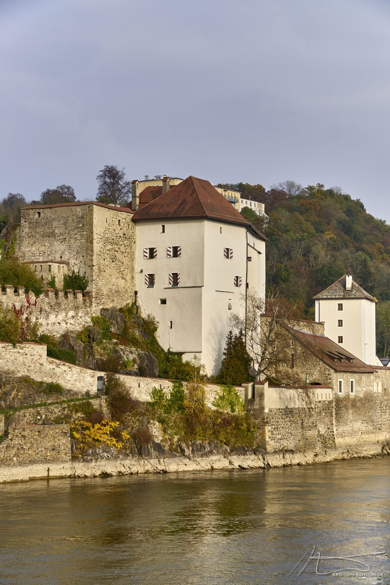 View across the Danube towards the Veste Niederhaus (fortress lower house)