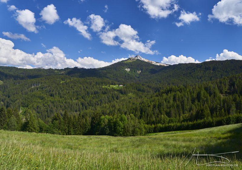 Alpine pasture hike: the Weißhorn mountain