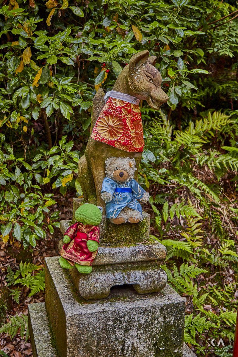 Mr Frog and Ralphy at Fushimi Inari Taisha