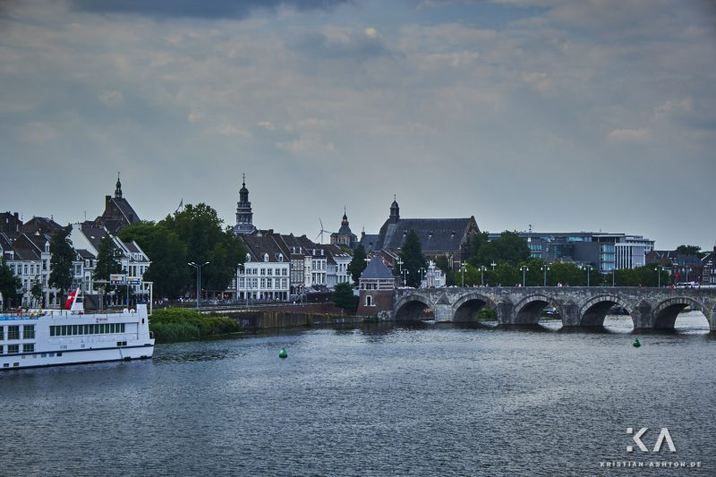 View towards the city centre from the Hoge Brug bridge
