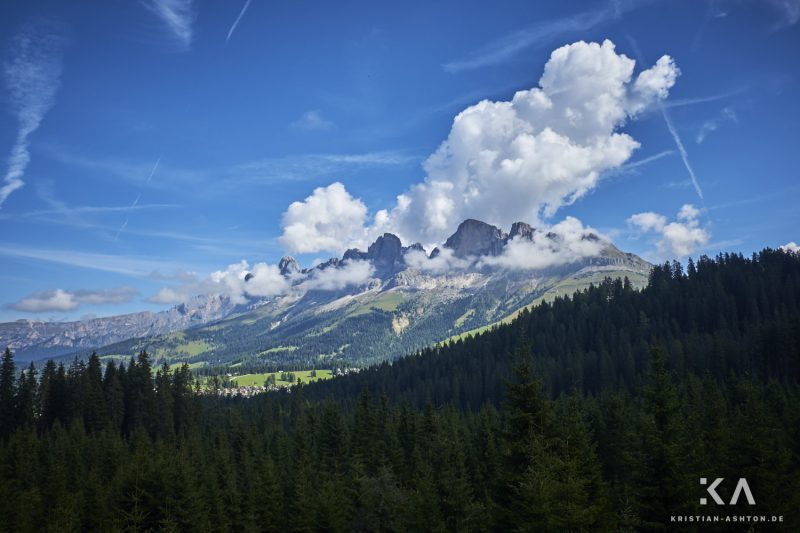Hike to the Latemar Labyrinth-Climb - view of the Rosengarten