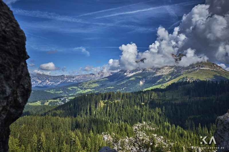 Hike in the Latemar Labyrinth-Climb - view of the Rosengarten