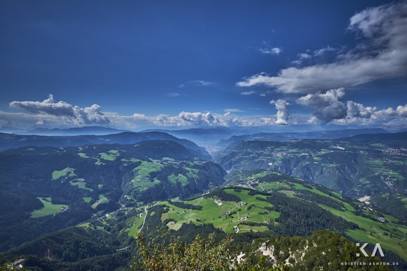 Breathtaking views from the mountain summit Völseggspitze